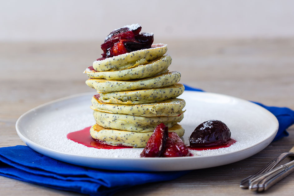 Mohn Pancakes via lunchforone