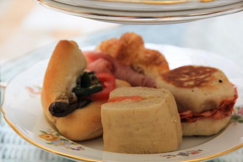 Beeren Creme Schnitten via lunchforone