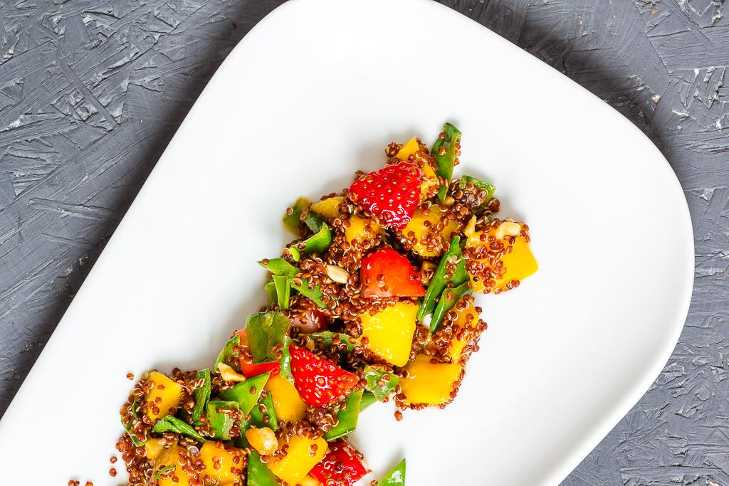 Qunioa Mango Salat via lunchforone